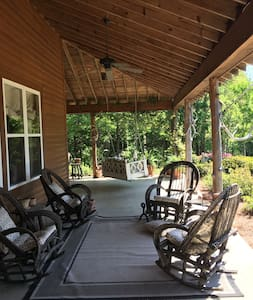 Spacious, luxury cabin near Oxford - Batesville - Cottage