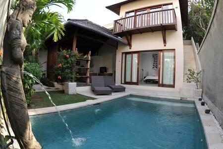 Room type: Entire home/apt Property type: Villa Accommodates: 4 Bedrooms: 2 Bathrooms: 2