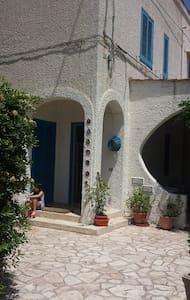 Puglia: Sun, Sea and Relax ! - Savelletri - House