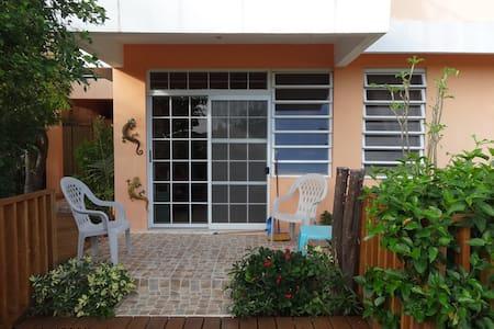 Casa Alejada - Garden Apartment - Apartment