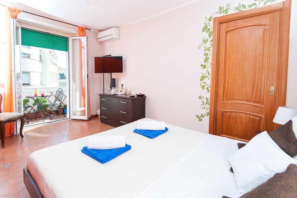 room and Private balcon