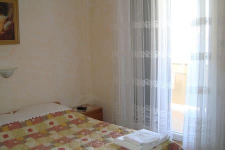 Villa Andreja Room 7 - Pag - Bed & Breakfast