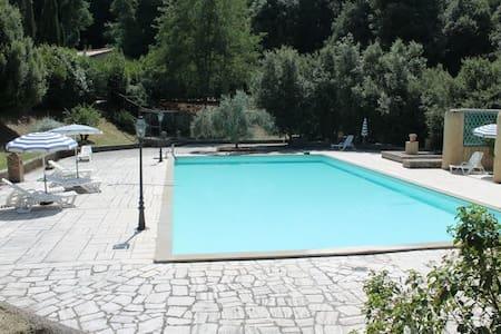 Tuscane,frais 2 pieces avec piscine - Casole d'Elsa