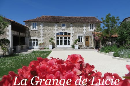La grange de Lucie-Les Rouge-gorges - Bed & Breakfast