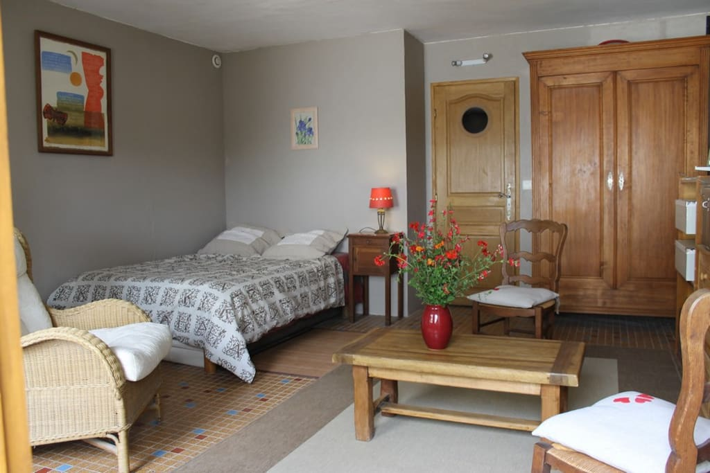 Chambre d 39 h te avec sdb et wc priv bed breakfasts for for Azay le rideau chambre d hote