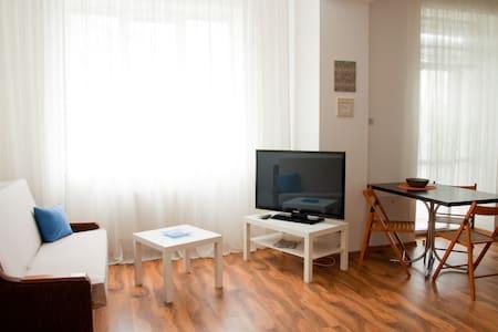 Cozy apartment in 10 min from Opera - L'viv - Lakás