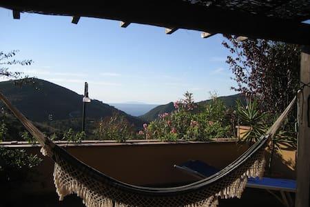 Casa con ampio terrazzo vista mare - Rio nell'Elba