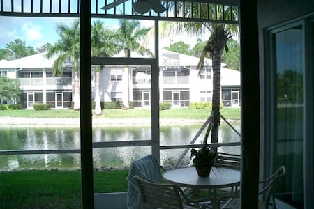 Beautiful 3BR Condo in Lely Resort - Condominio
