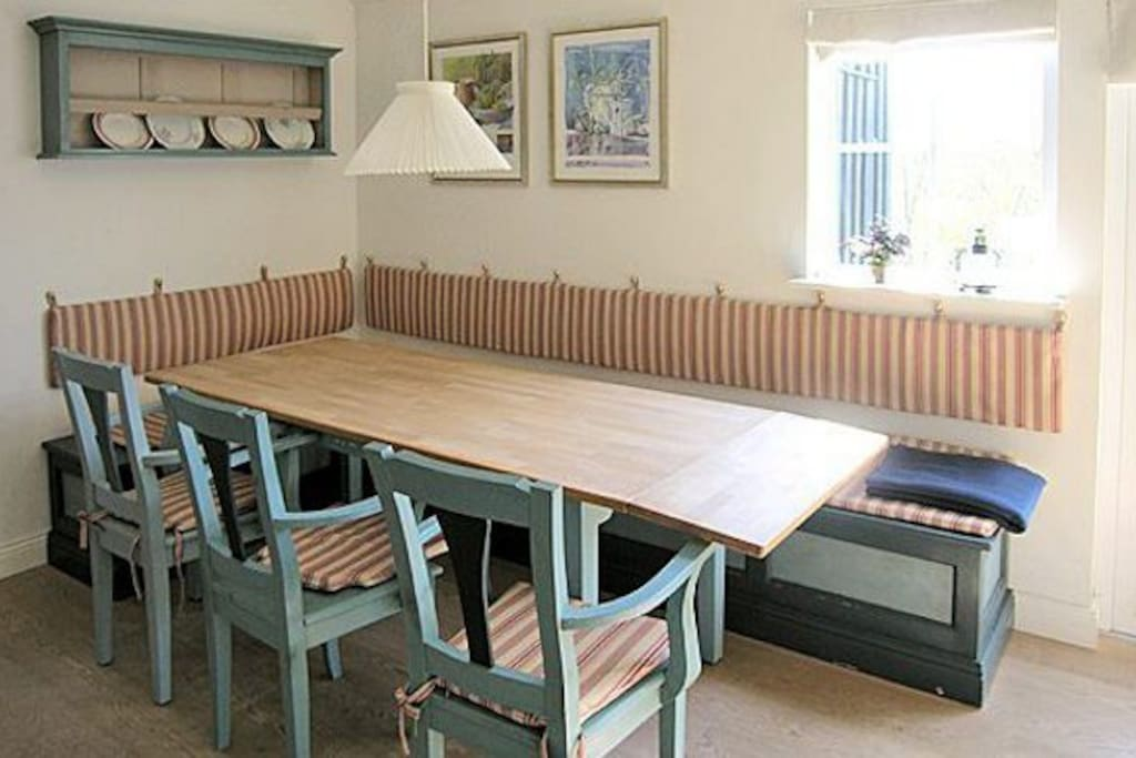 Dining area, traditional style.