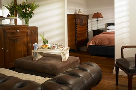 Beautiful Suite Luxury Appointments - Bed & Breakfast