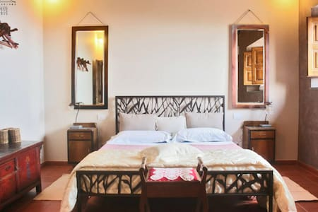 Romantic Double Room - Puntalazzo - Bed & Breakfast