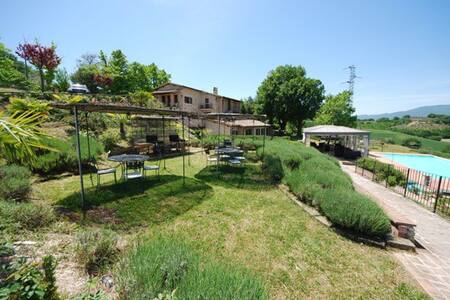 Spoleto by the pool (Apt. 1)