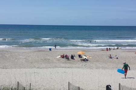 BEACH FRONT CONDO WITH POOL - Atlantic Beach - Dům