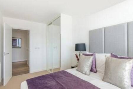 V Big Size Room in Lux Flat - Zone2 - Londra - Appartamento