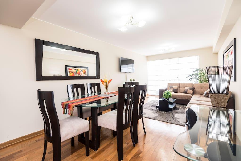 Cozy Apartment within walking dista