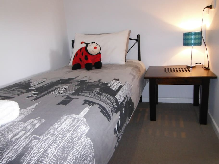 Single bed is also in the Queen room. Perfect for a small child that you want to keep close. We also have a port a cot if required for children under 1 year old.