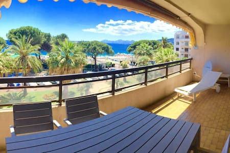 Amazing Sea View: Cool, Spacious Apt Juan Les Pins - Antiby