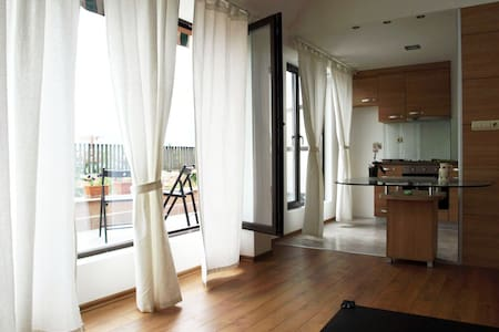 great located architect's penthouse - Plovdiv - Appartamento