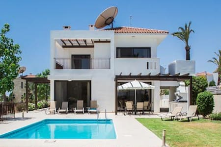 Beautiful Villa stunning sea views. - Agios Theodoros - Casa de campo