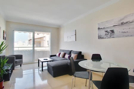 Apartment in central Marbella +Pkg