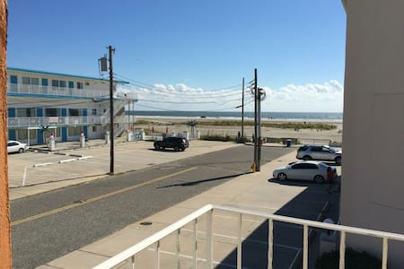 BEAUTIFUL BEACH SIDE CONDO! - Wildwood Crest - アパート