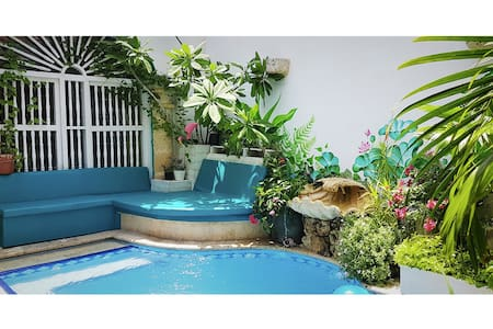 Old City Oasis - Private 2, Pool Side - House