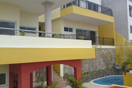 House w/ swim. pool & sauna. Lomas - Apartment