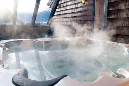 Amazing Penthouse-Private Hot Tub #5 of 5 (405) - Osakehuoneisto