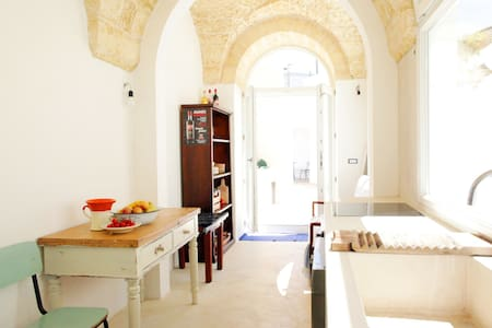 Dolce vita for 1-2 couples - House