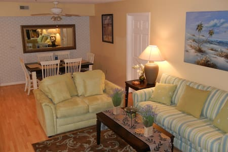 Spacious Condo Steps From The Beach! - Surfside Beach
