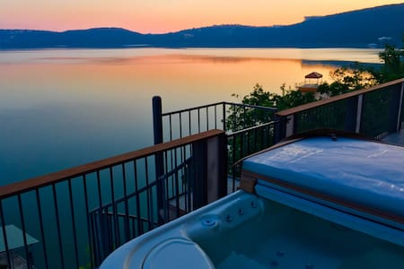 On Lake Travis - Austin - Talo