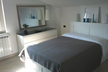 Camera da letto Pescara zona aeroporto - House