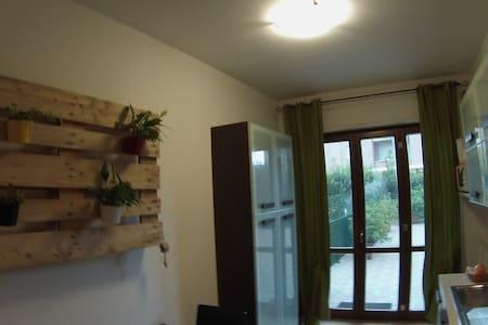 Assisi appartamento con piscina - Apartment