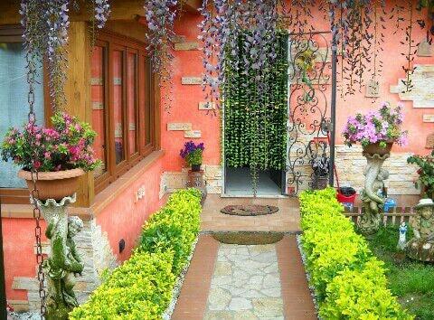 Rent a villa in Carrara
