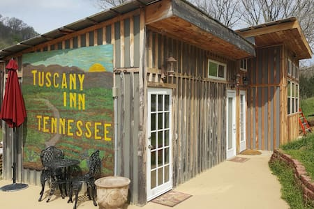 Tuscany Inn TN/Grande-Piazza House - Hickman - Bed & Breakfast