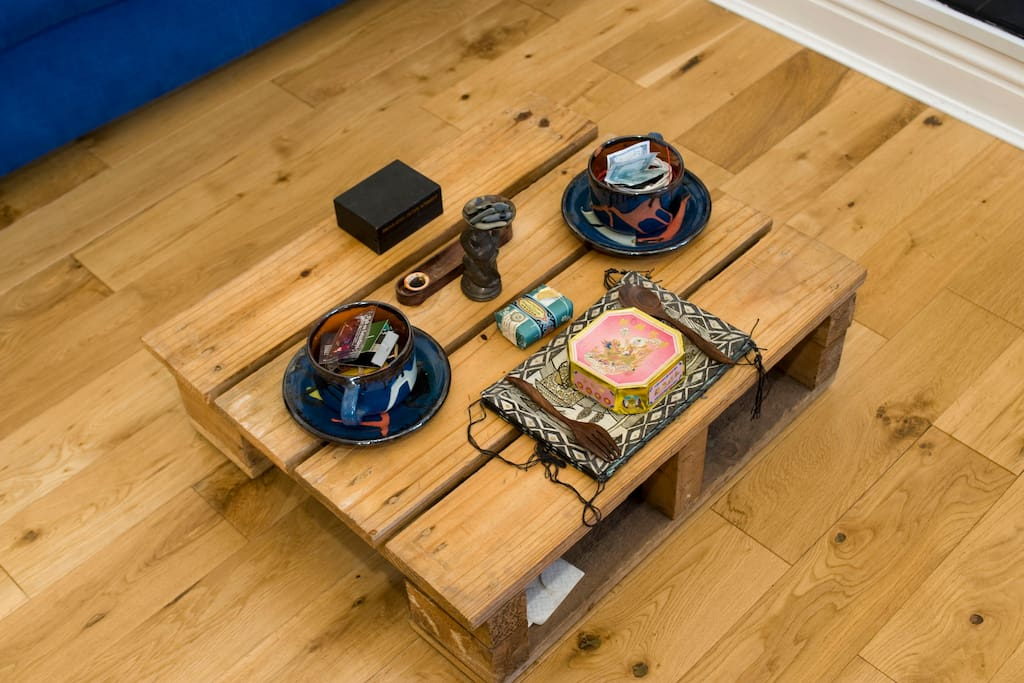 mini table (trying to camouflage itself as part of the floor)