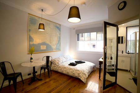 """Le Studio"" at Potts Point - Apartmen"
