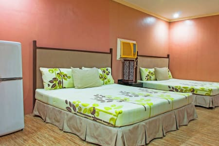 The Villa Khristalene Resort - Resort Deluxe Room - Talisay - Villa