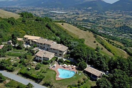 Borgo medievale piscina - Contadino - Leilighet