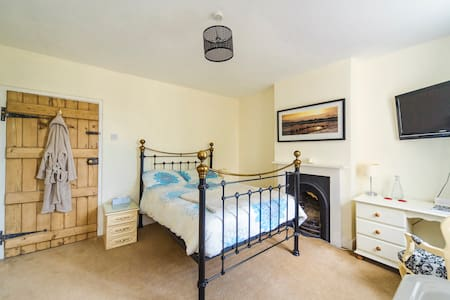 Grade II Listed - Double En-Suite - Casa
