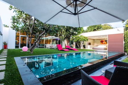 Stunning 3 Bedroom Villa in the Heart of Pattaya - Byt