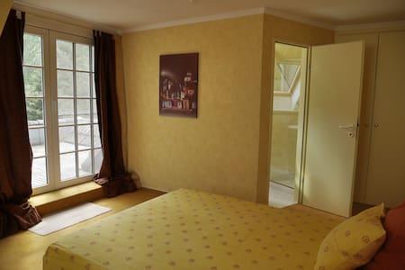 Uelzen: Zwei schöne Zimmer in Villa - Rätzlingen - Bed & Breakfast