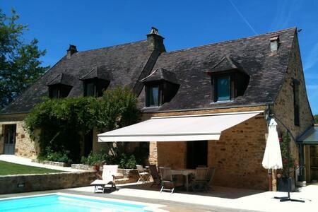 Adorable Villa 10pers. avec piscine