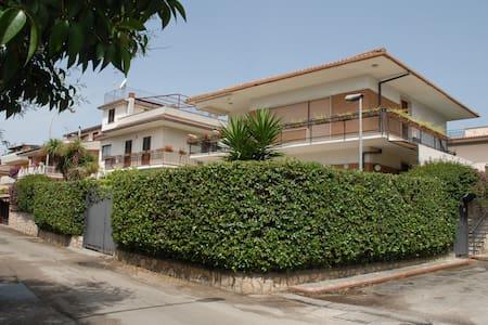 Villa Fiorita n. Strand für Gruppen