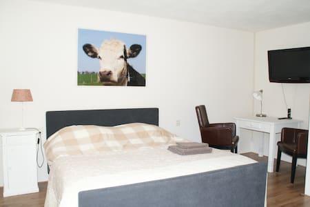Landelijke Bed & Breakfast - Veldhoven - Bed & Breakfast