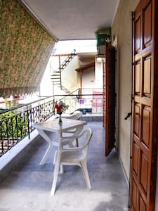 Apartment 52 square meters  ,200 meters from beach - Wohnung