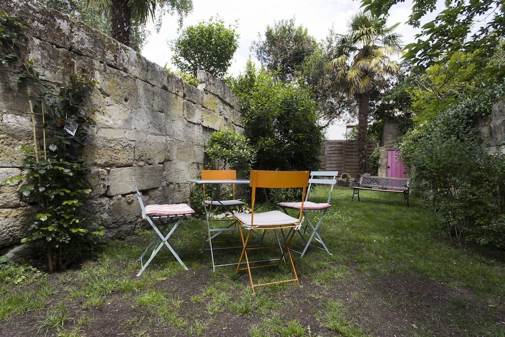 Jolie petite maison avec jardin houses for rent in libourne for As tu un animal a la maison