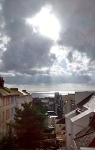 South facing double room sea view - Appartement