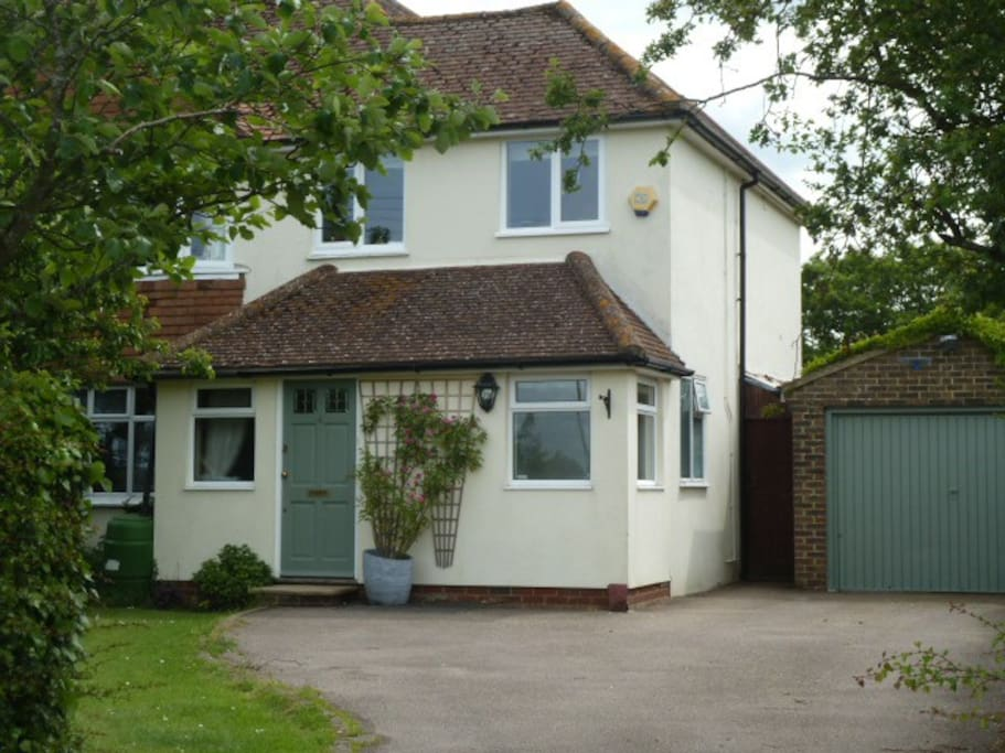 Peaceful, rural location with fields in front and behind with great walks all around.