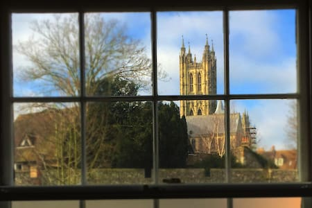 Cathedral View, Canterbury - House